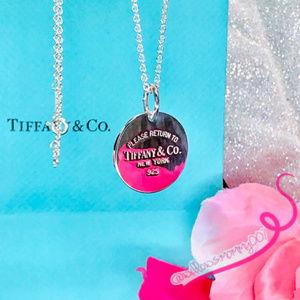 NWOT T&Co. Return to Tiffany Circle Charm Pendant